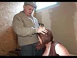 Opa und ein junger Kerl ficken Milf Anal