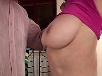 Caroline hat riesige Brüste