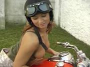 Deutscher Anal auf dem Motorrad