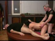 Deutsche Swinger Frauen ficken mit zwei Männern