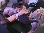 Blonde Sekretärin träum wie sie den Chef verführt