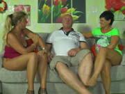 Anita wird von einem Ehepaar zum Dreier eingeladen