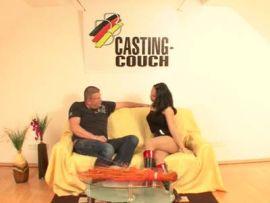 Analgeile Stute auf der deutschen Casting-Couch