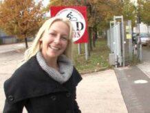 Deutscher Pornodreh mit Taschengeld für eine Blondine